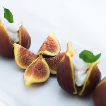 Figs with coconut cream