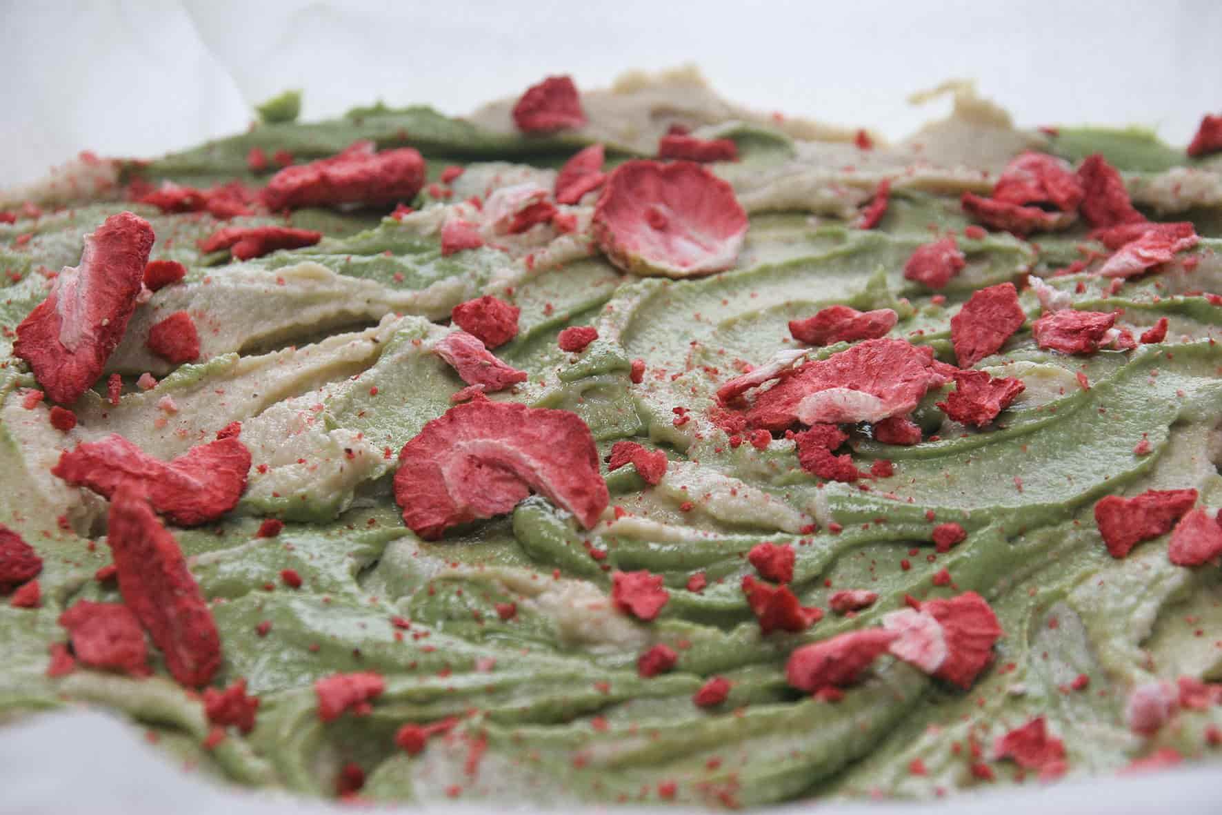 Gluten-free-chocolate-brownie-matcha-swirl-cream-cheese-frosting-9-recipe-dessert