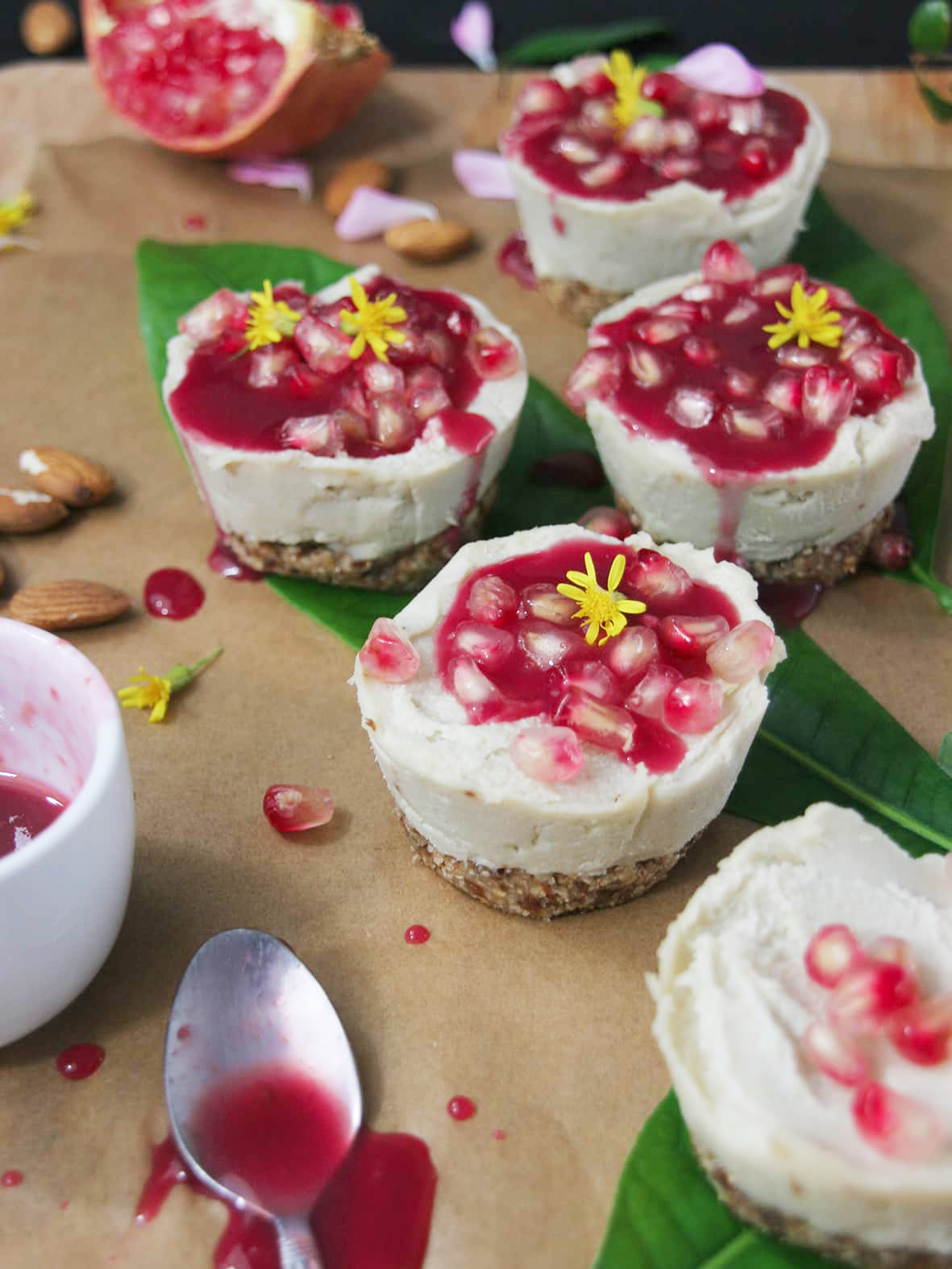 Vegan-mini-cheesecake-pomegranate-raspberry-syrup2-recipe-dessert