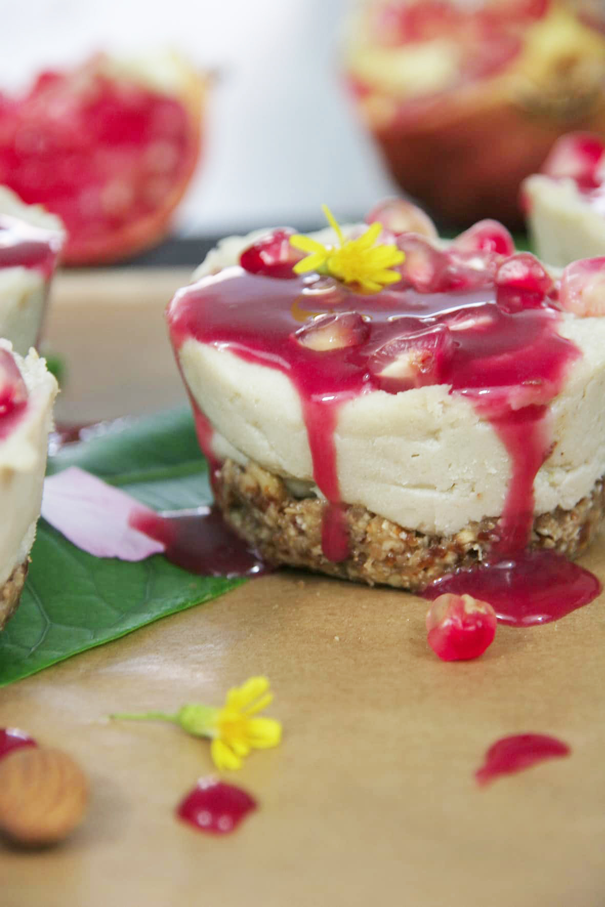 Vegan-mini-cheesecake-pomegranate-raspberry-syrup3-recipe-dessert